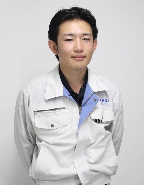 鈴鹿_先輩社員①(木下)2