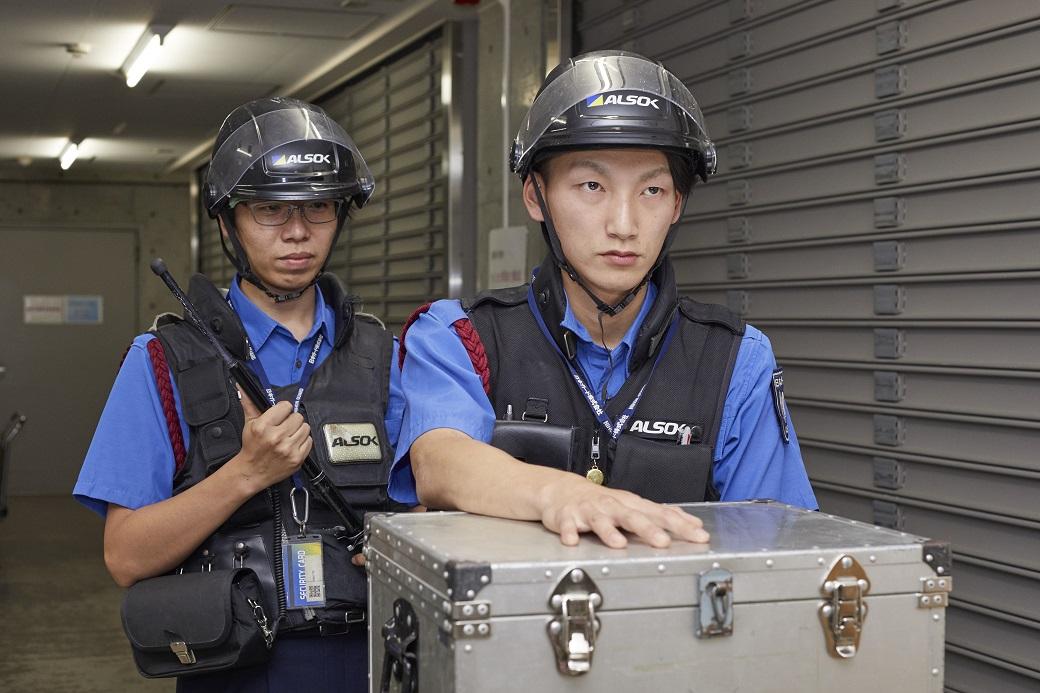 日本ガード_仕事の魅力(警備輸送)
